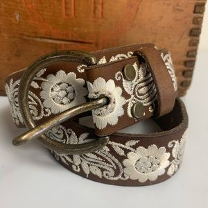 BUD0040 Lucky Brand Belt Hobo Leather Embroidered